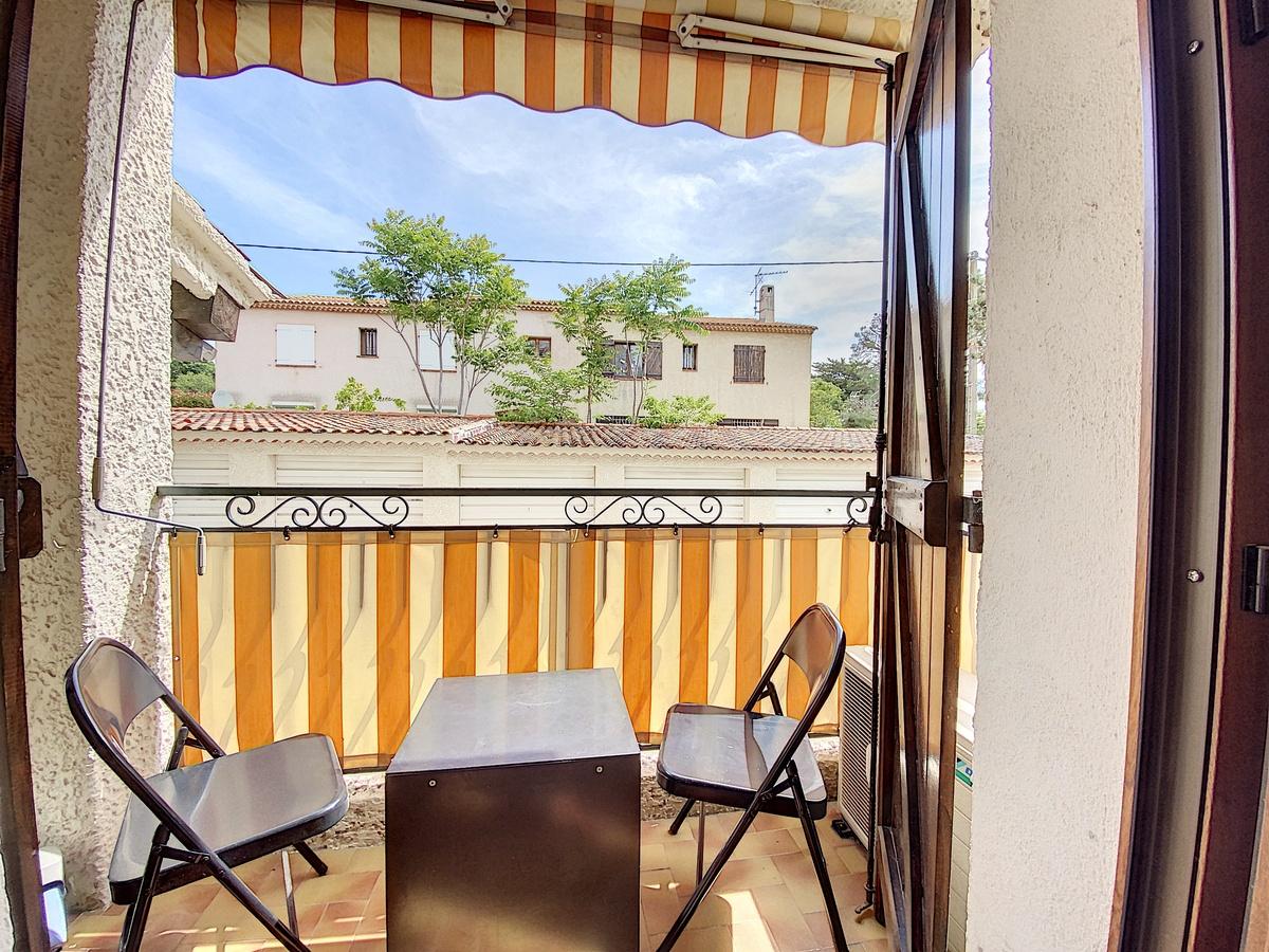 Location Studio Saint-Cyr-sur-Mer